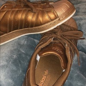 Bronze adidas superstars